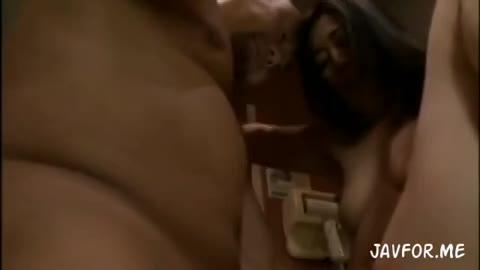 絶倫男とのセックスにハマり淫語を口走りながら激しいファックで理性崩壊する淫乱熟女…