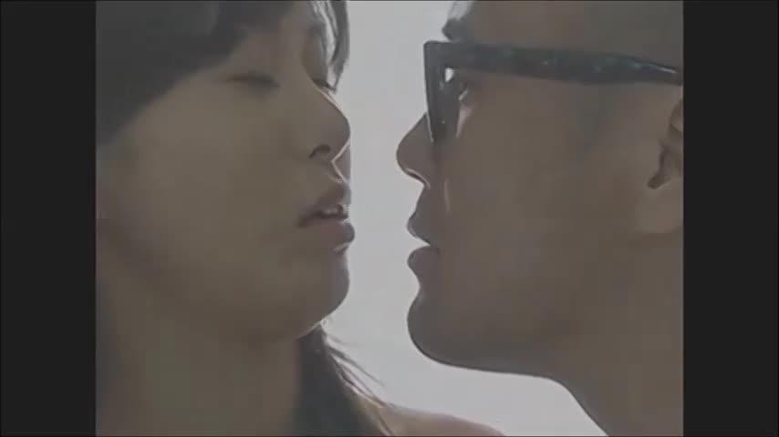 人妻動画:美�